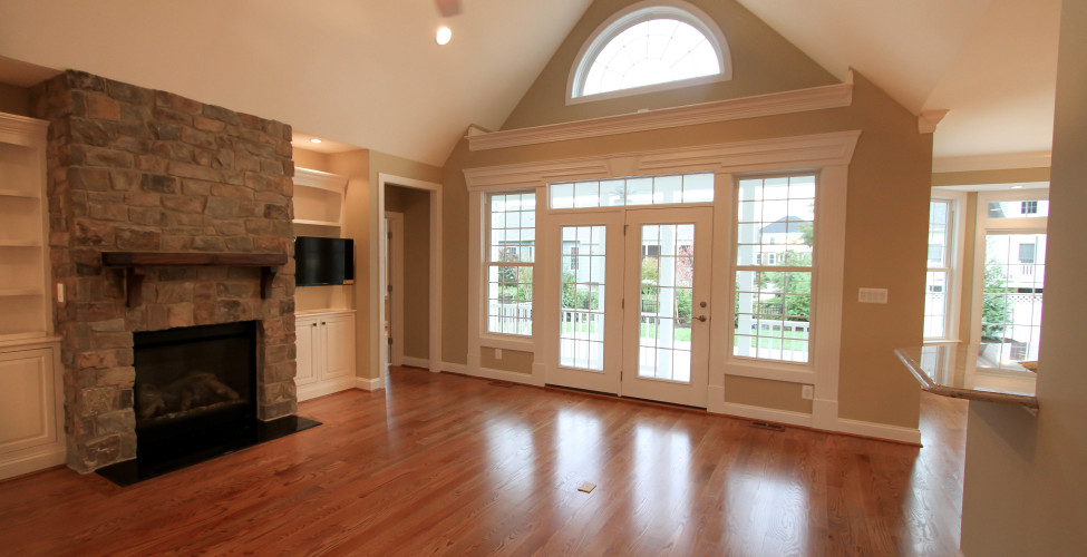 High ceilings, natural light, hardwood flooring, built-ins (optional).