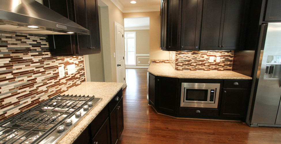 Ample counter top surface and easy access to dining area.
